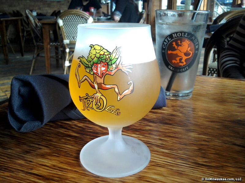 Cafe Hollander's current featured bier, Cuvee des Trolls, is served in its own troll-adorned glass. Since it's plural, I worry where the other trolls went ...