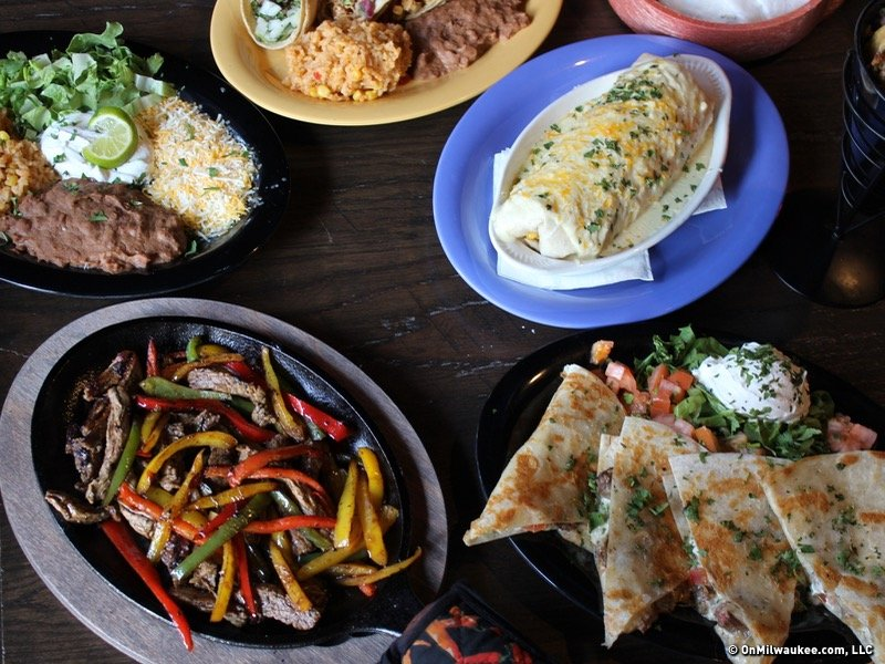 Your Guide To Lunch Dinner And Post Game Eats Near Fiserv