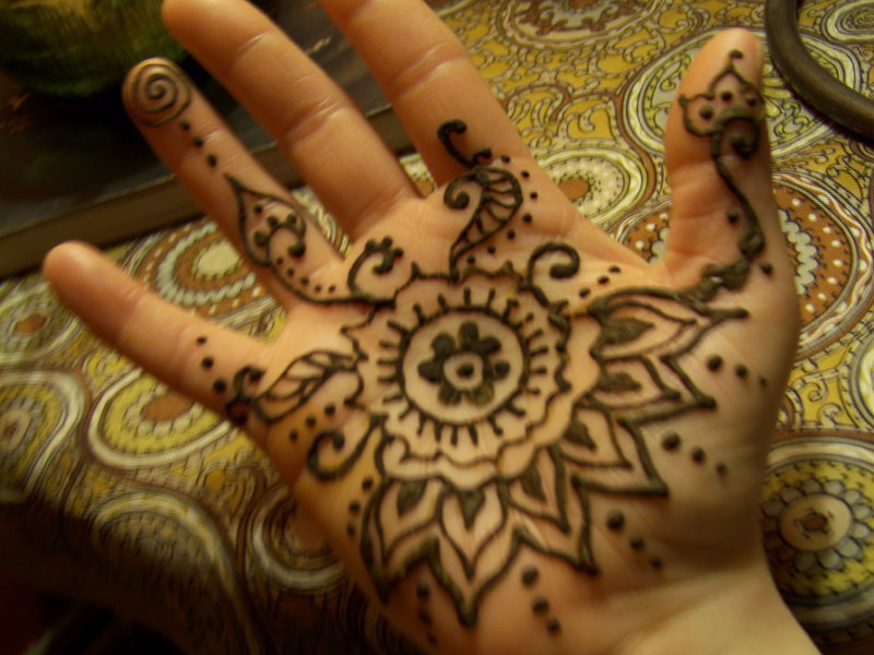 Mehndi Henna Buy : Mehndi still trendy where to get a henna tattoo in milwaukee
