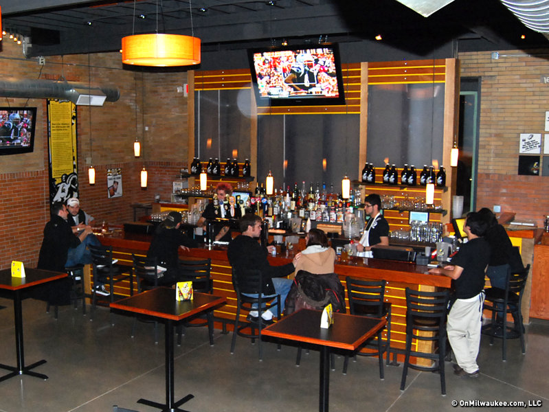The horny hideaway pairs pub grub with craft beer for Craft stores in milwaukee