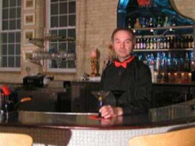 Hot Water bar heats up South Water Street