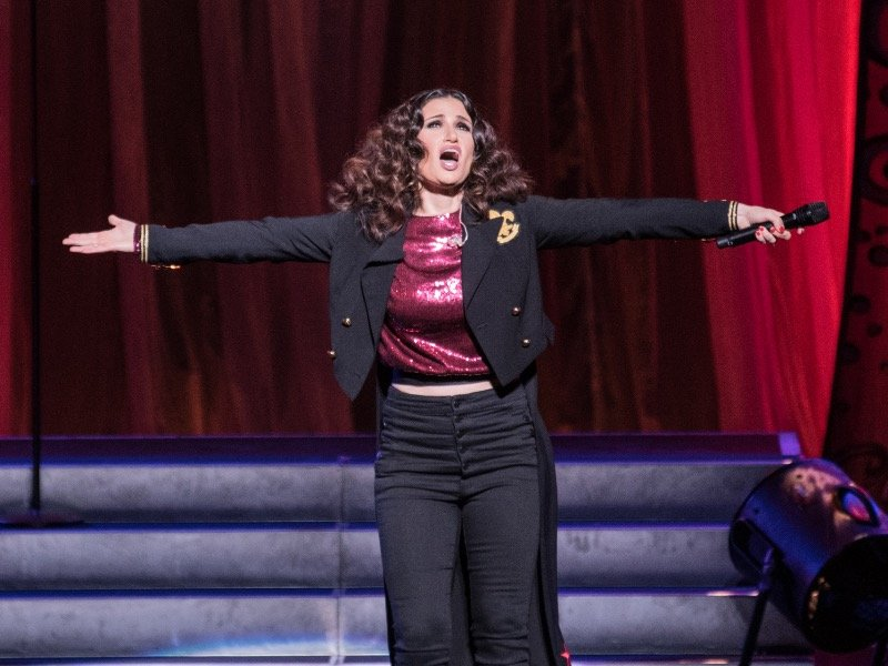 idina menzel s vocals and personality shine at the riverside