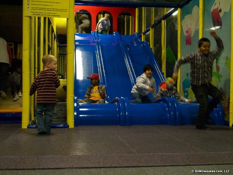 Indoor playgrounds and inflatables facilities guide - OnMilwaukee