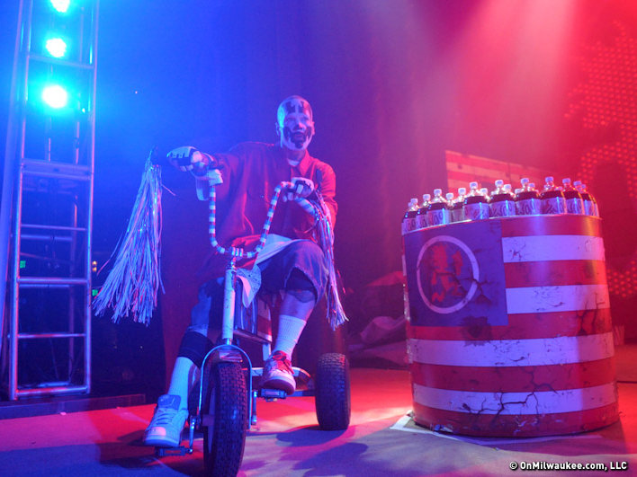 Insane Clown Posse rolled into Milwaukee Saturday night.