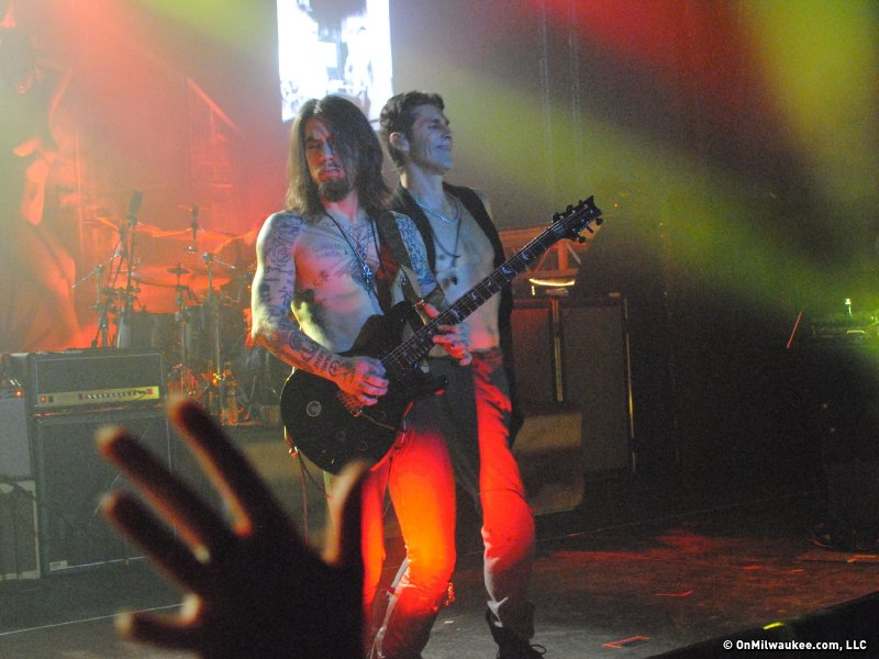 Perry Farrell and Dave Navarro rock the Eagles Ballroom.