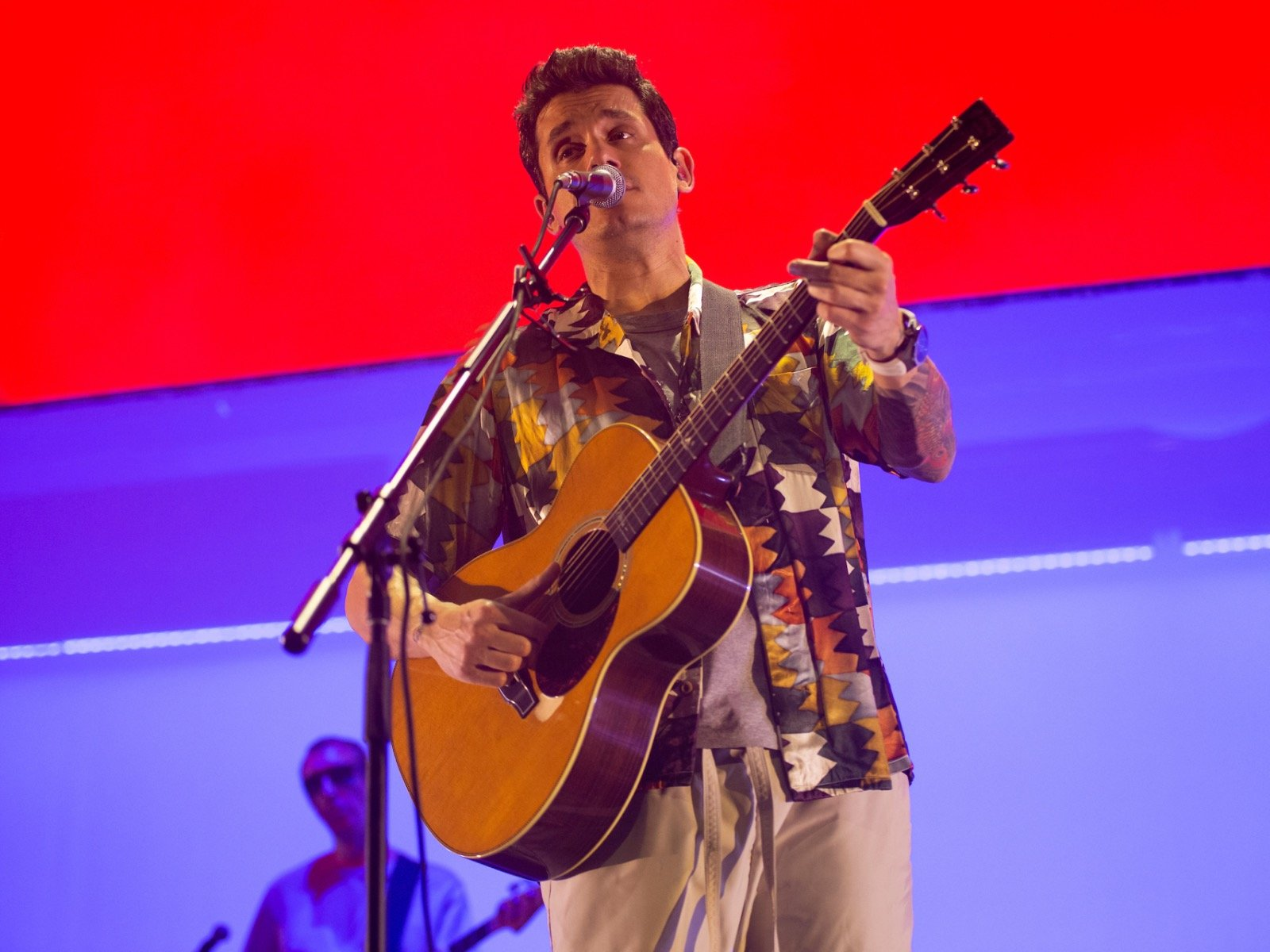 Our favorite things about John Mayer's concert at Fiserv Forum