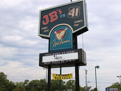 Junction Bar & Grill leaves typical bowling alley fare in the dust