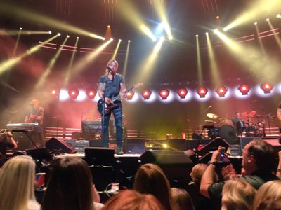 Keith Urban review  Image
