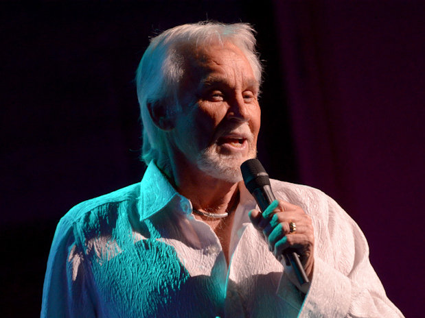 Kenny Rogers' Christmas & the Hits brought plenty of holiday cheer to the Riverside Theater Sunday night.