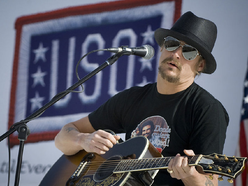 Kid Rock docks in Milwaukee