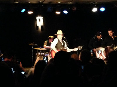 Guys, the Kiefer Sutherland concert last night was actually pretty good