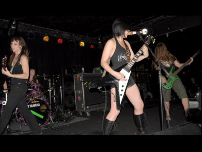 Kittie rocks The Rave