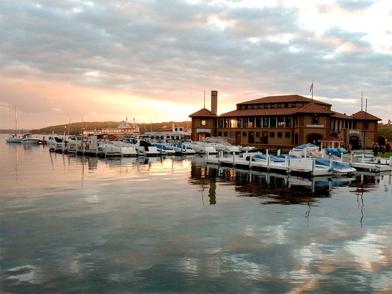 6 great ways to enjoy a spring break family getaway in Lake Geneva Image