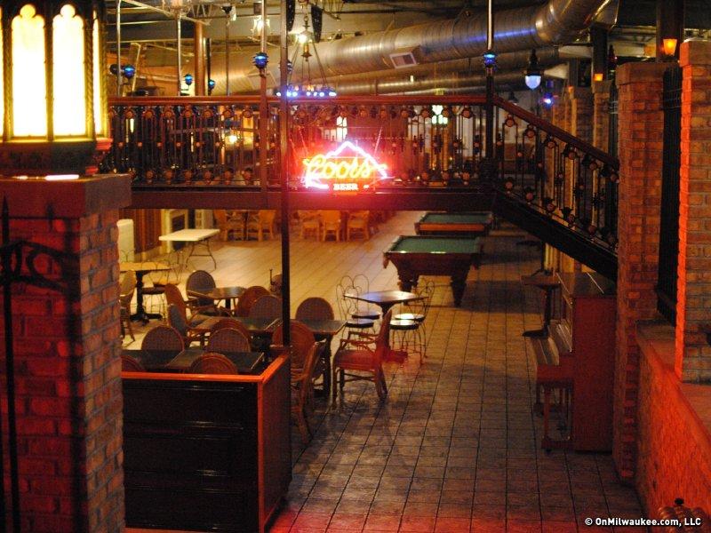 Landmark milwaukee s oldest tavern reopens