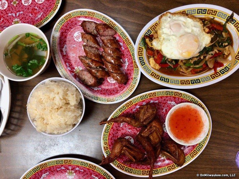 Lao Cuisine Shines At Vientiane Noodle Shop OnMilwaukee - Cuisine laotienne