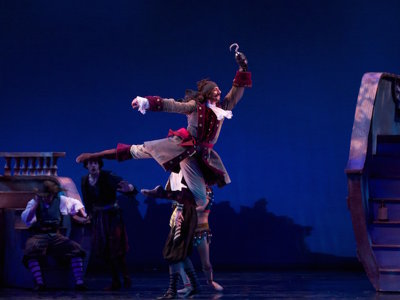 Hovhannisyan flies like an eagle as the powerful star at Milwaukee Ballet