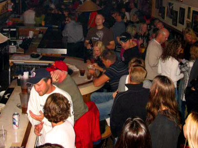 Onmilwaukee Com Bars Amp Clubs Leff S Lucky Town Offers A