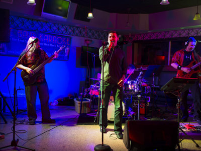 Live band karaoke turns the fun up to 11