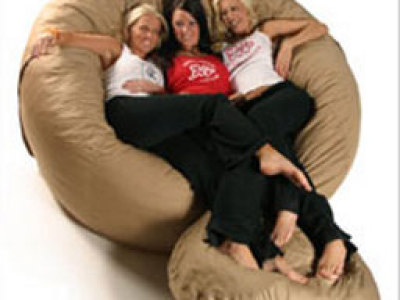 mayfair mall embraces new lovesac store onmilwaukee