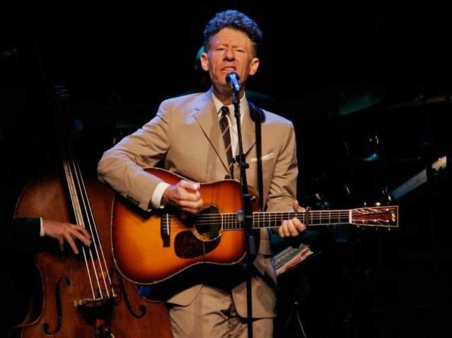 A comfortable Lyle Lovett digs into the music Wednesday night in Milwaukee.