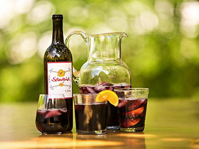 Milwaukee summer and Milwaukee sangria: a match made in ... Bay View.