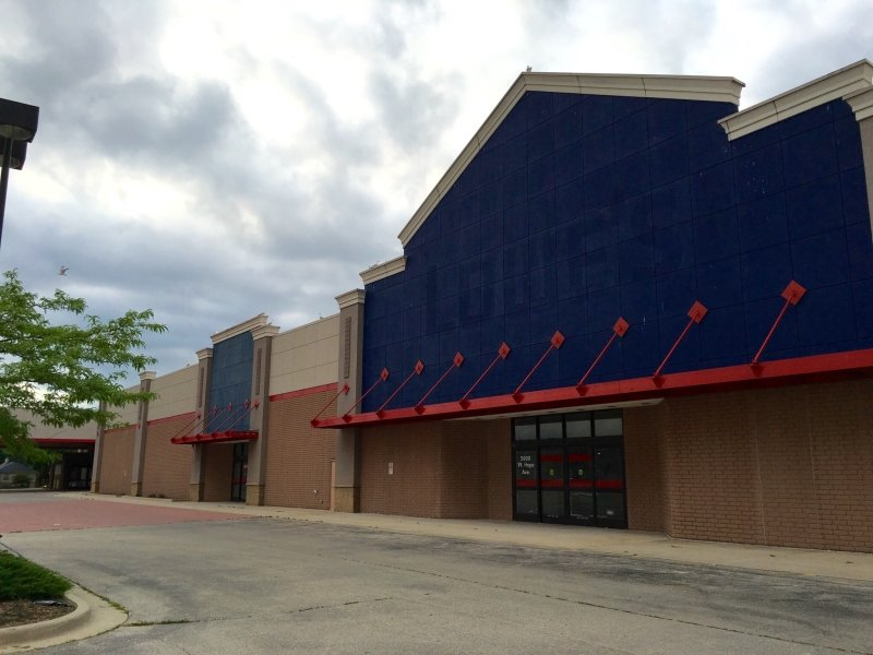 The Former Lowe S Building At Midtown Center Has Been Sold