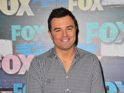 Seth MacFarlane drops by Lucille's to perform a few songs