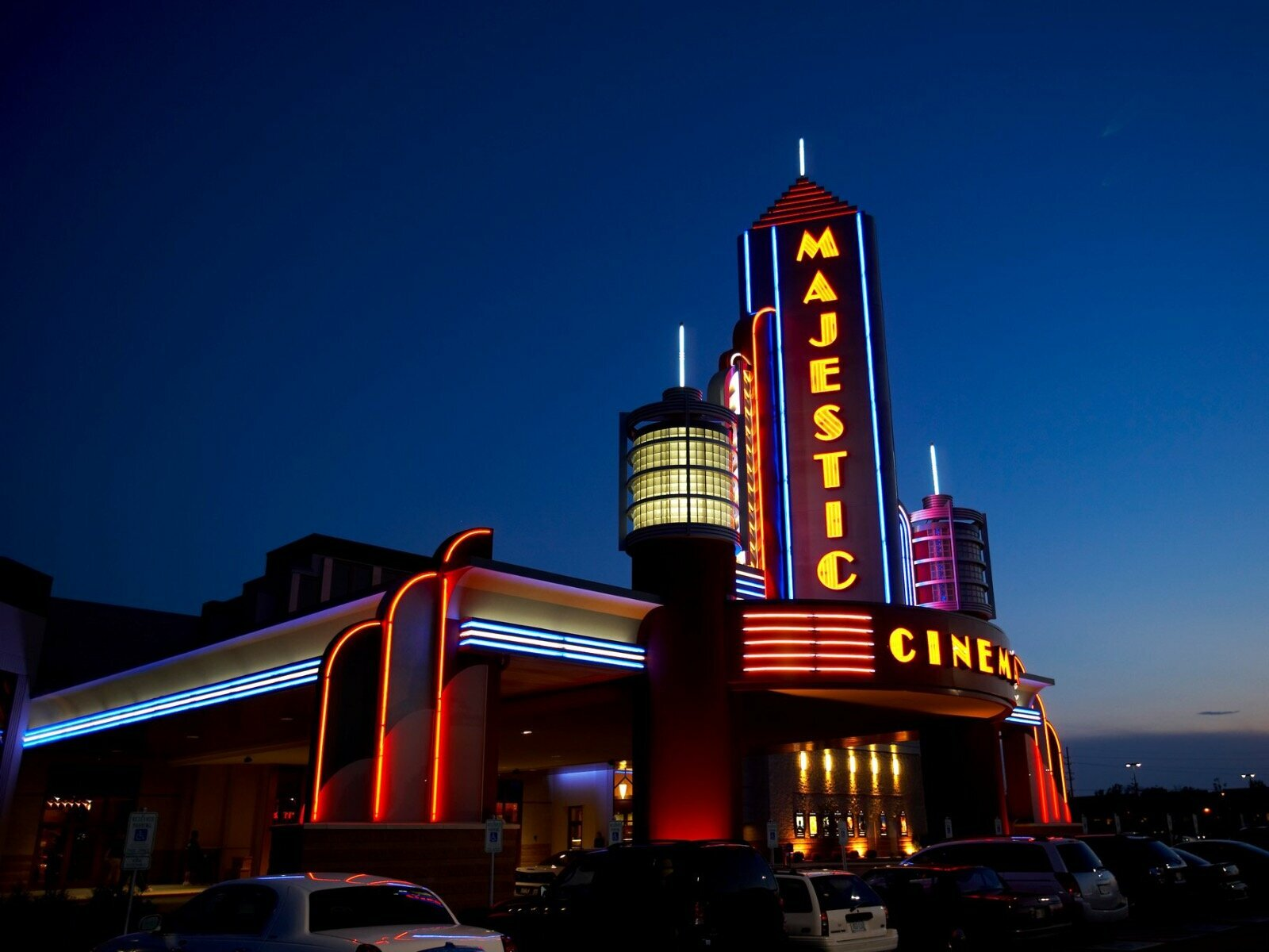 Marcus Theatres To Reopen 10 More Locations This Weekend More By End Of Month Onmilwaukee