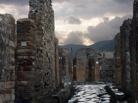 Marcus Theatres will present the British Museum exhibition on the life and death in Pompeii on Wednesday.