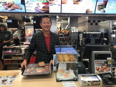Oh, the delicious irony: McDonald's owner dines out seven nights a week Image