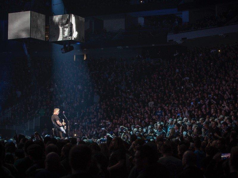 Metallica shows no rust at its Fiserv Forum concert