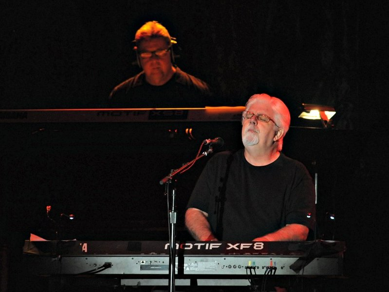 Despite being seated behind a keyboard, Michael McDonald knows how to entertain.