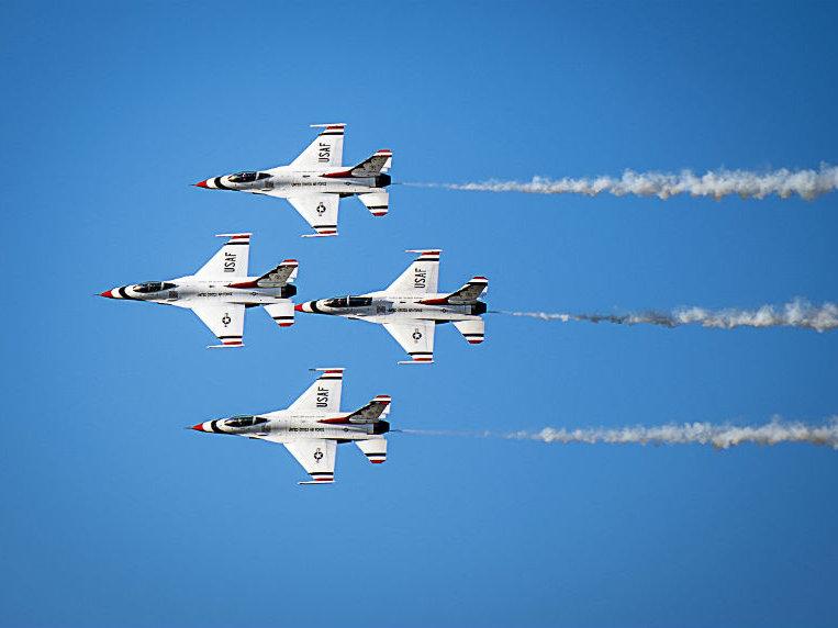 Milwaukee Air And Water Show 2020.Us Air Force Thunderbirds To Headline 2019 Milwaukee Air