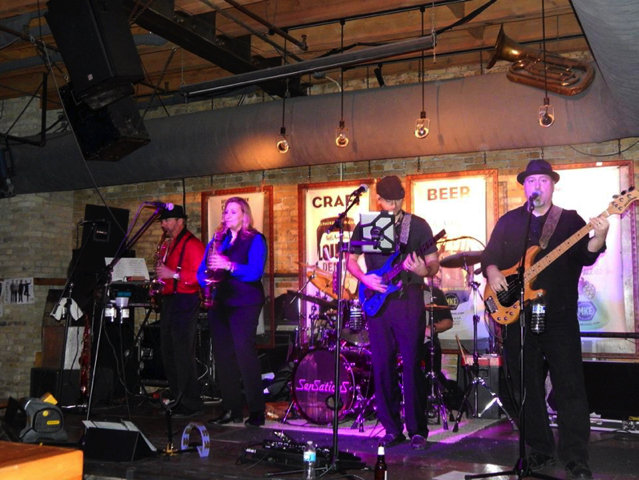 Milwaukee 39 s best live music in a bar 2015 onmilwaukee for Local house music