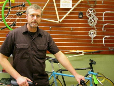 Triplett talks custom bikes at Milwaukee Bicycle Co.