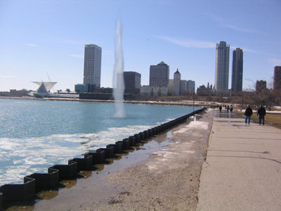 Milwaukee needs a fountain Image