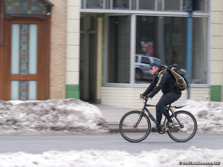 Bicycle messengers deliver the goods - OnMilwaukee