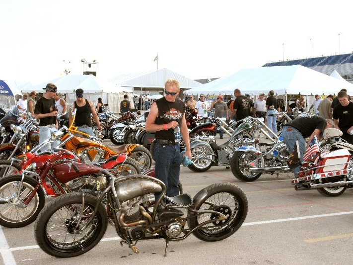 Bikers migrate to another wild Milwaukee Rally gathering ...