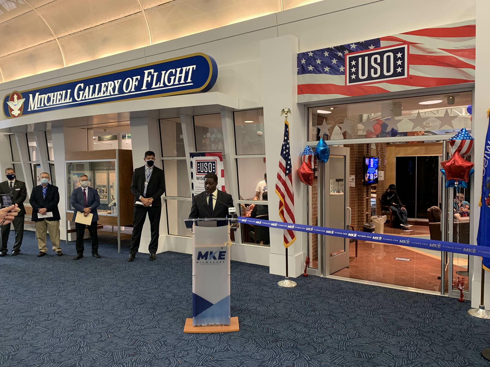 mitchell gallery of flight uso fullsize story1.