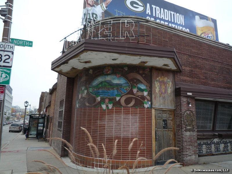 The favorite bars of Milwaukee's stars - OnMilwaukee