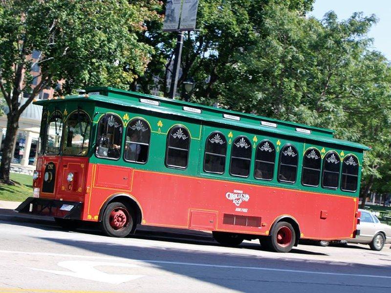 milwaukee trolley loop returns to downtown on june 2 onmilwaukee