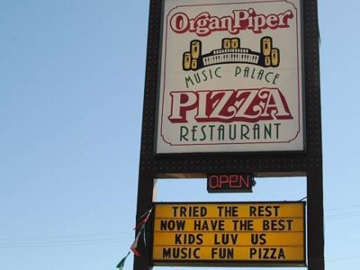Milwaukee's most kid-friendly restaurant, 2011: Organ Piper Music Palace