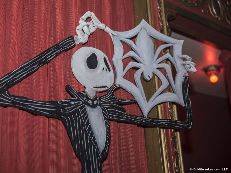 Christmas Art.Bay View Man Crafts New Nightmare Before Christmas Art For