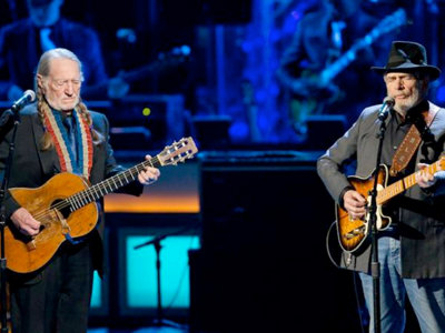 Willie Nelson and Merle Haggard book Milwaukee Theatre gig