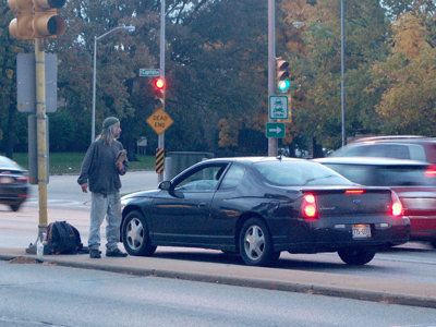 City outlaws panhandling on medians and ramps
