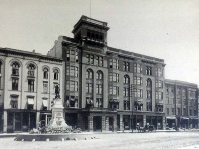 16 old Milwaukee hotels