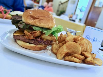 On the Burger Trail: The Plaza Burger at Cafe at the Plaza