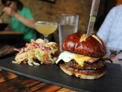 On the Burger Trail: The house burger at Easy Tyger