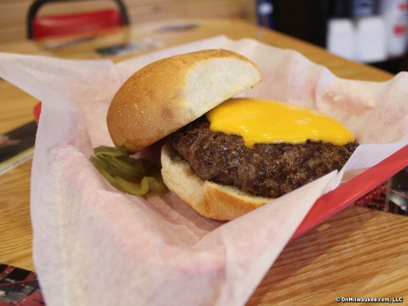 On the Burger Trail: Cheeseburger at Fred's in Burlington Image