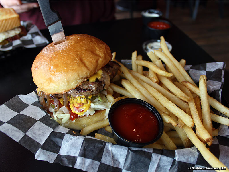On The Burger Trail Mainstream Bar Amp Grill In Waukesha